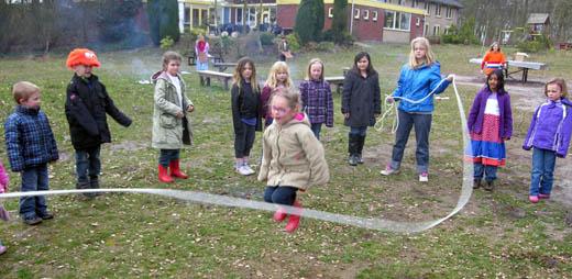 Kamp 11 12 touwtje springen.jpg